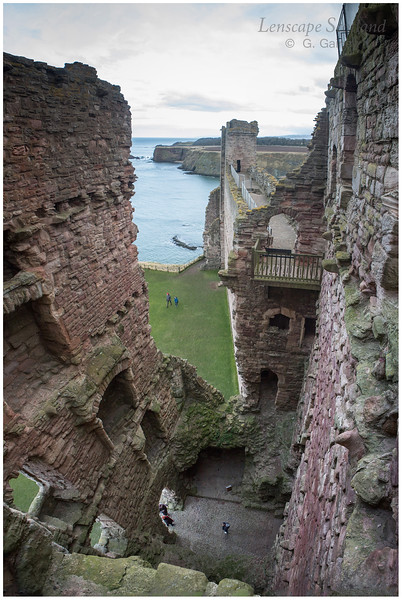 Tantallon Castle, North Berwick (4)