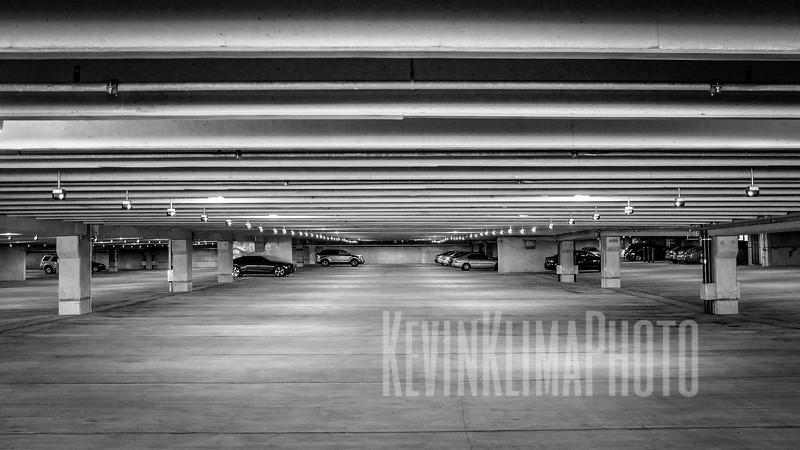 garageblackwhitewide.jpg