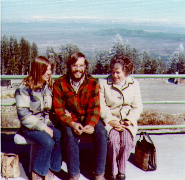 Albuquerque, Oct.,1972 Connie,Dave & Bonnie.jpg