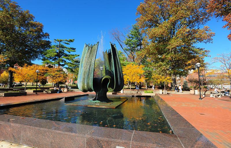 memorial fountain2250.jpg