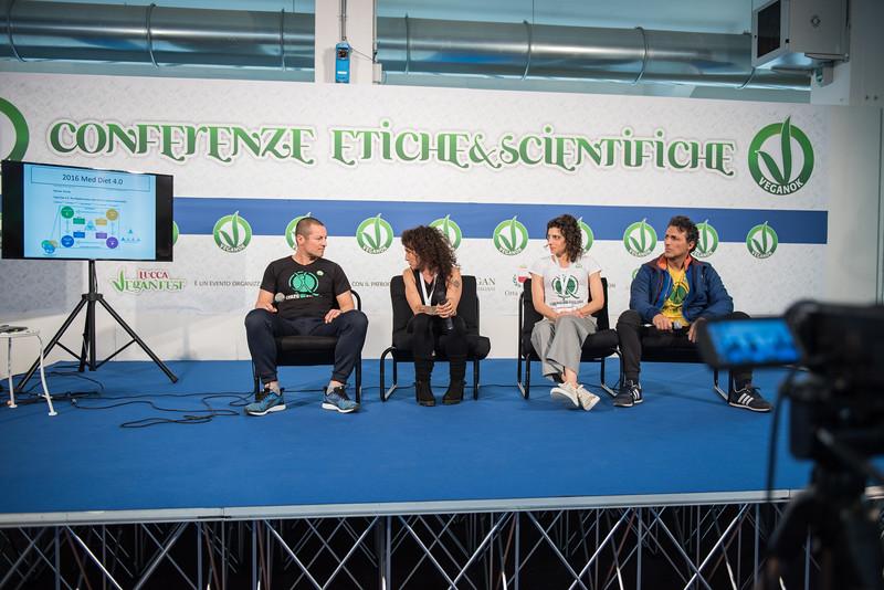 lucca-veganfest-conferenze-e-piazzetta_029.jpg