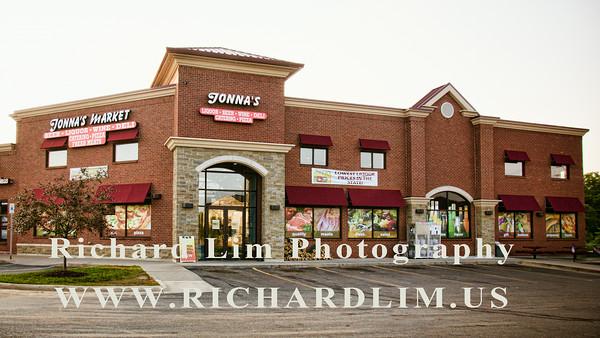 2014-07-18-Jonnas Market Exterior