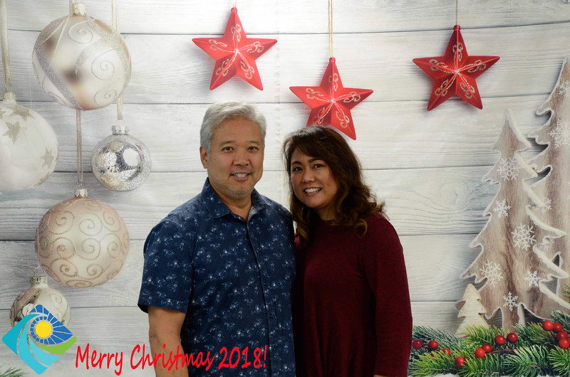 Christmas Photobooth 2018-016_01.jpg