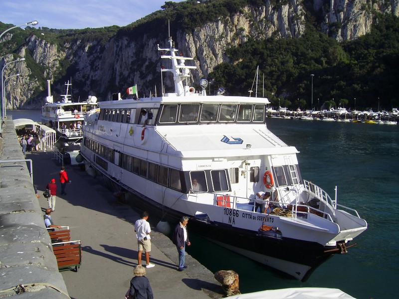 HSC CITTA' DI SORRENTO moored in Capri.