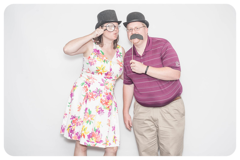 Laura+Ross-Wedding-Photobooth-027.jpg