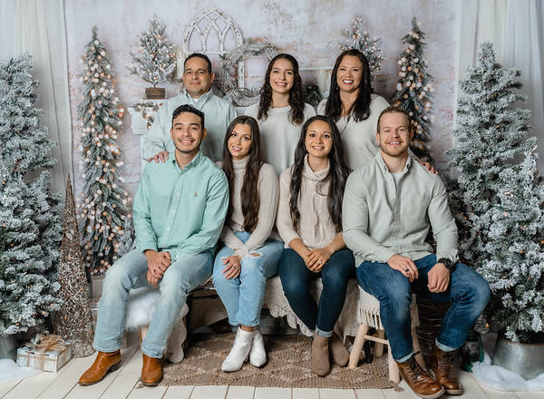 Christmas 2020 Mini - Hernandez Family
