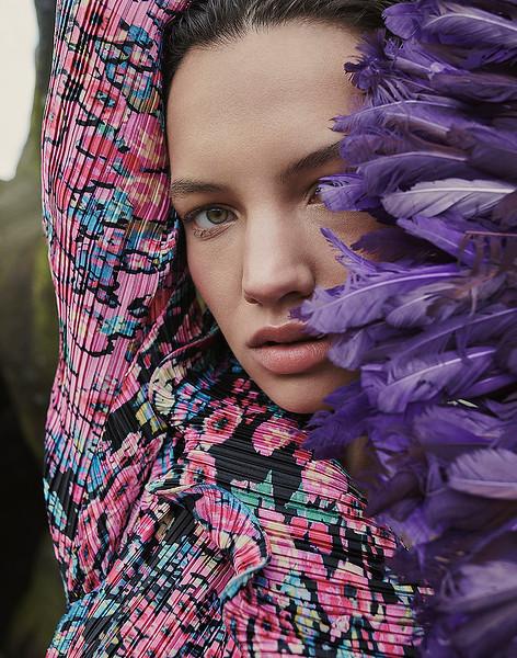 Creative-space-artists-hair-stylist-photo-agency-nyc-beauty-editorial-wardrobe-stylist-campaign-Natalie-read-MR1355ES_191019_GraciaME_TheBigOutdoors_Shot3_210_V2 copy_2.jpg