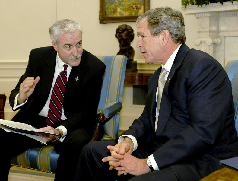 . President Bush gets a briefing on the Space Shuttle Columbia disaster from  NASA Administrator Sean O\'Keefe, left, during a meeting in the Oval Office at the White House in Washington, Monday, Feb. 3, 2003. NASA  is searching for answers to the cause of the accident that destroyed the homebound shuttle and killed its seven crew members. (AP Photo/J. Scott Applewhite)