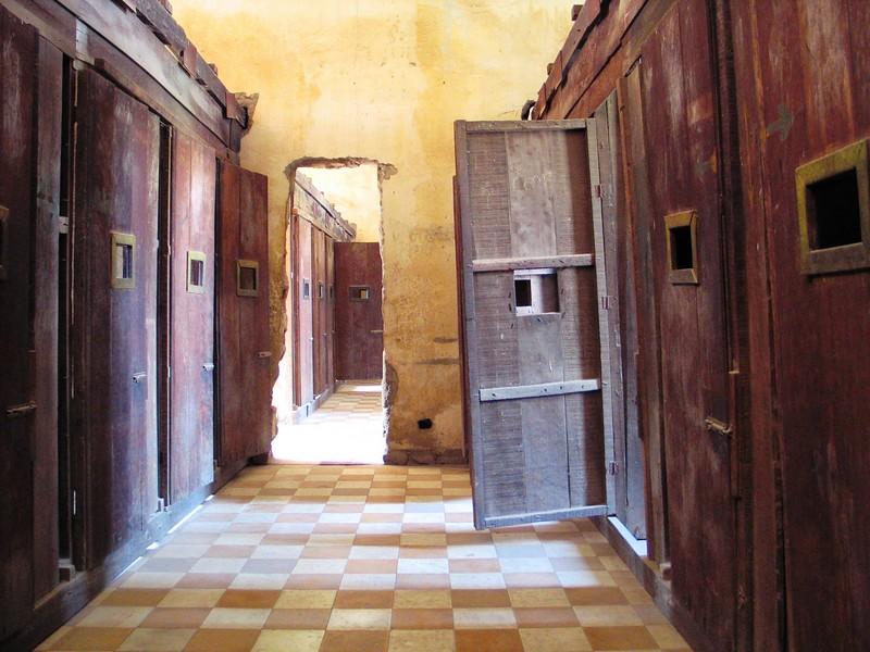 Genocide Museum, Phnom Penh (1).jpg