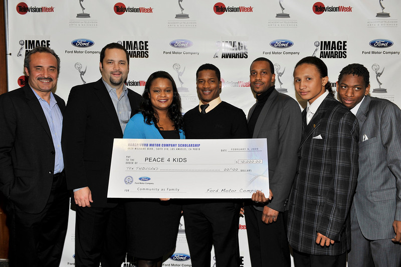 FORD MOTOR COMPANY SPONSORS 5TH ANNUAL NAACP IMAGE AWARDS HOLLYWOOD SYMPOSIUM HELD AT THE ACADEMY OF TELEVISION ARTS & SCIENCES AT THE GOLDENSON THEATRE IN NORTH HOLLYWOOD CALIFORNIA ON FEBRUARY 9, 2009BEN JEALOUS, AND PAMELA ALEXANDER PRESENT CHECK TO PEACE 4 KIDS ORGANIZATION