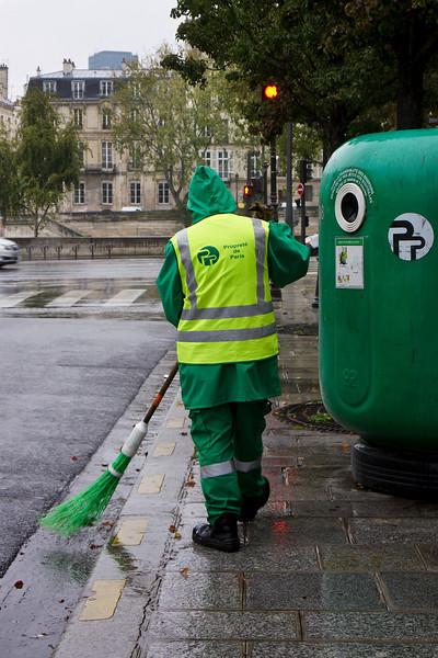 Paris street sweeper 0536.jpg