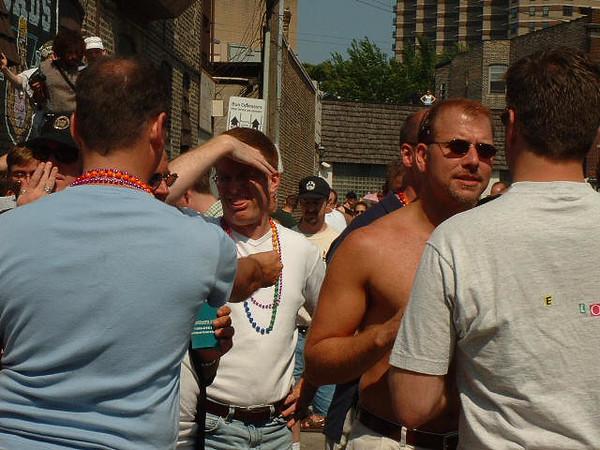Pride Parade 2001-59-1.jpg