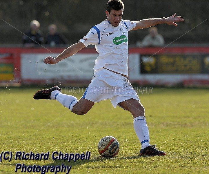 CHIPPENHAM TOWN V BANBURY UNITED MATCH PICTURES