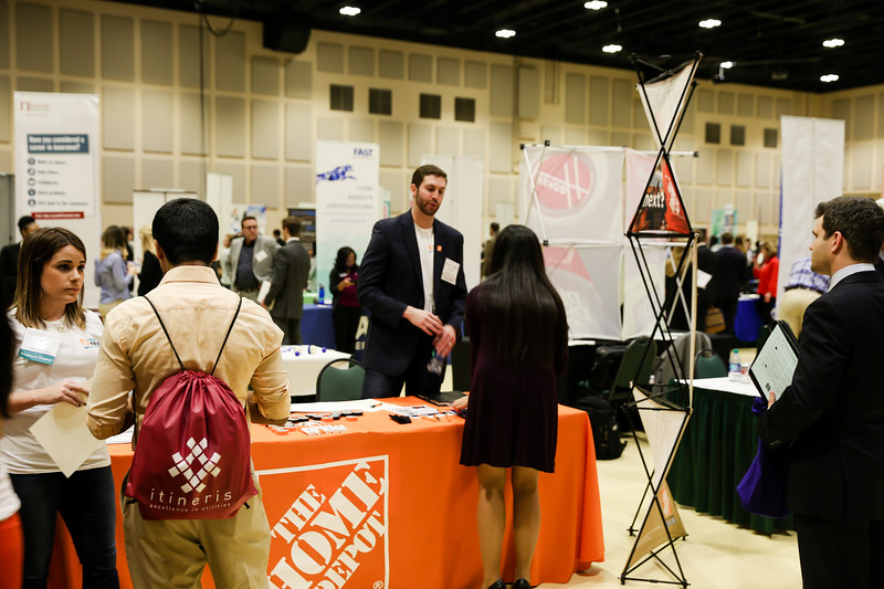 2017_CareerFair-4.jpg