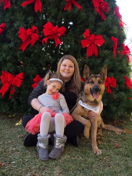Family Group Photo Dec 2015-060257.jpg