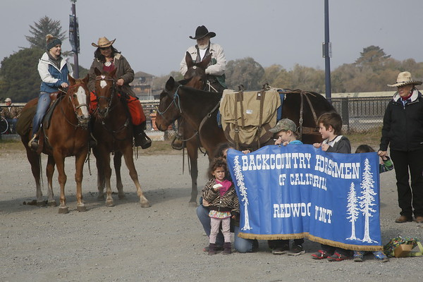 Photos: Cowboy Convoy rides through Old Town with food donations
