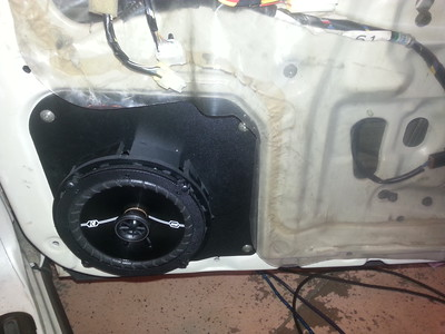 1990 Infiniti Q45 Front Door Speaker Installation - USA