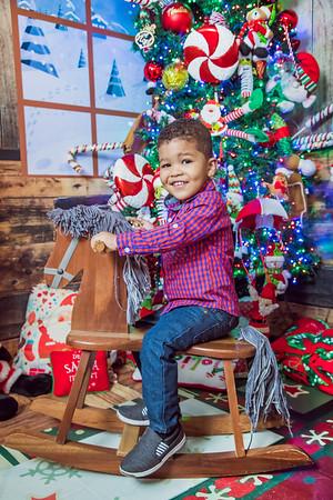 29. Emely Rodriguez y Familia Navidad 2019