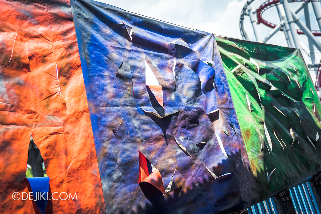 Halloween Horror Nights 7 Before Dark 2 Preview Update / Zombie Laser Tag scare zone - torn canvas