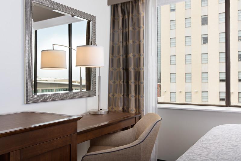 39-Guestroom Desk-Hampton Dallas.jpg