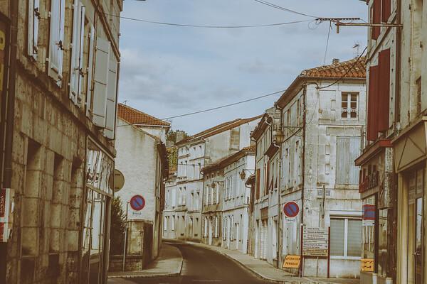 Belle, France