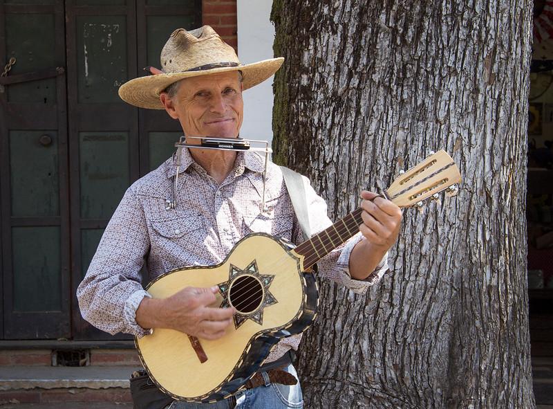 richard guitarist.jpg