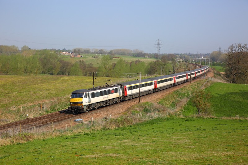 90005 on the 1P25 0930 Norwich to London Liverpool Street at Brantham on the 20th April 2018.JPG