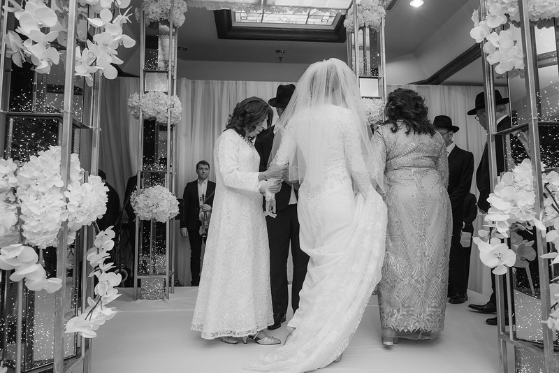 Miri_Chayim_Wedding_BW-562.jpg