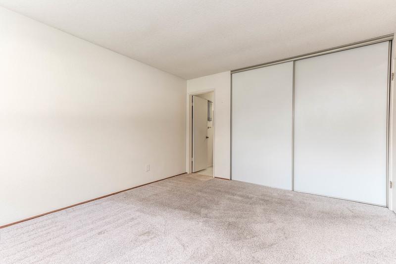 1728 Westfield 20 Master Bedroom.jpg