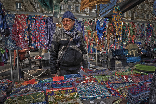 scarves for sale.jpg