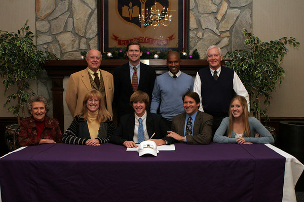 Michael Schecter college signing Dec 2006