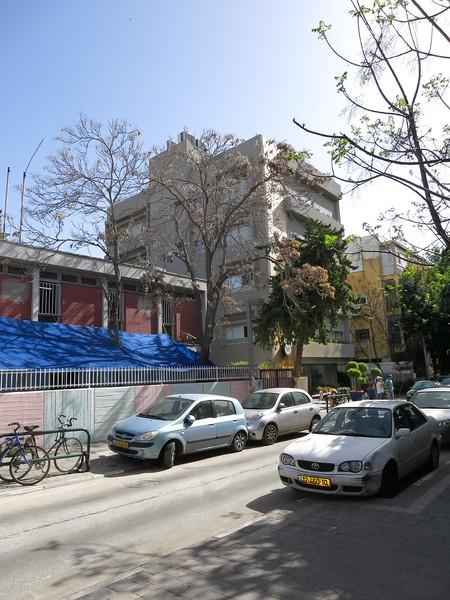 Pre-school at left, Hotel Shenkin next door