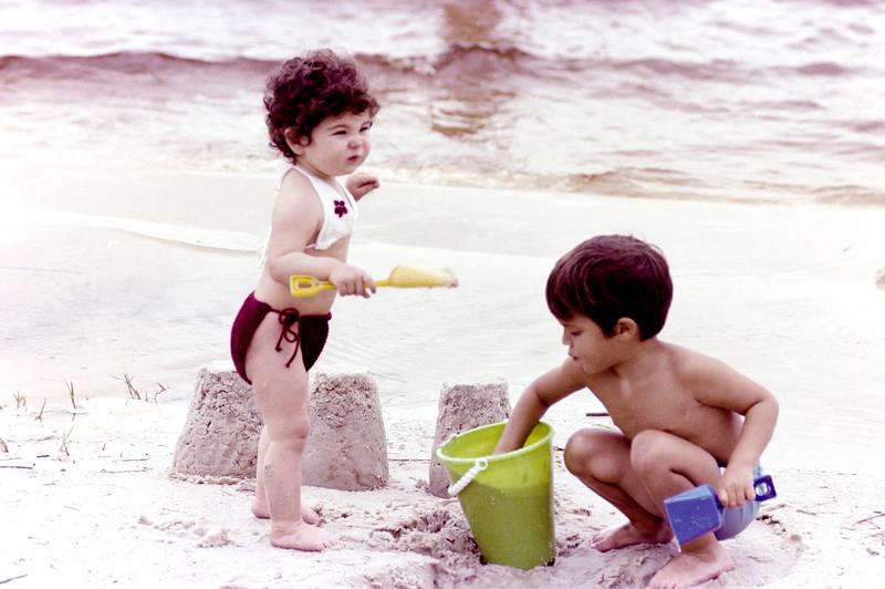 1978-5-14 #9 Erica At Beach.jpg