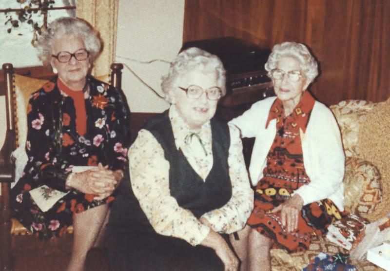 41 Old Nicol Photos - Grandma Holkeboer.jpg