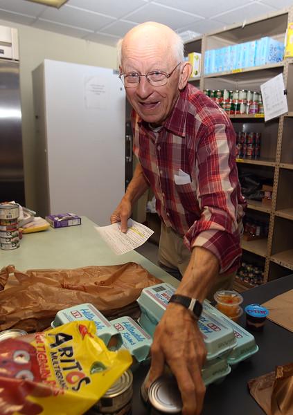Lowell Open Pantry volunteers 110818