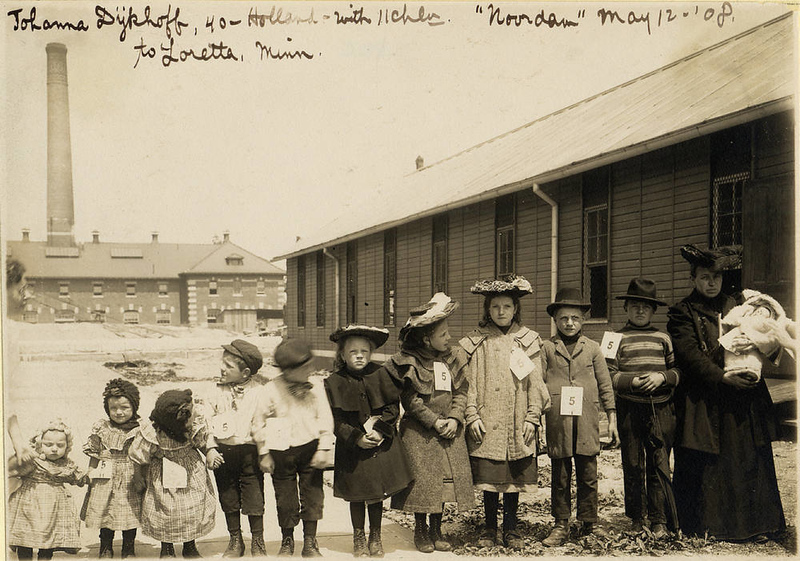 . Johanna Dykhof with her 11 children moving to Minnesota from Holland. (NPS photo)