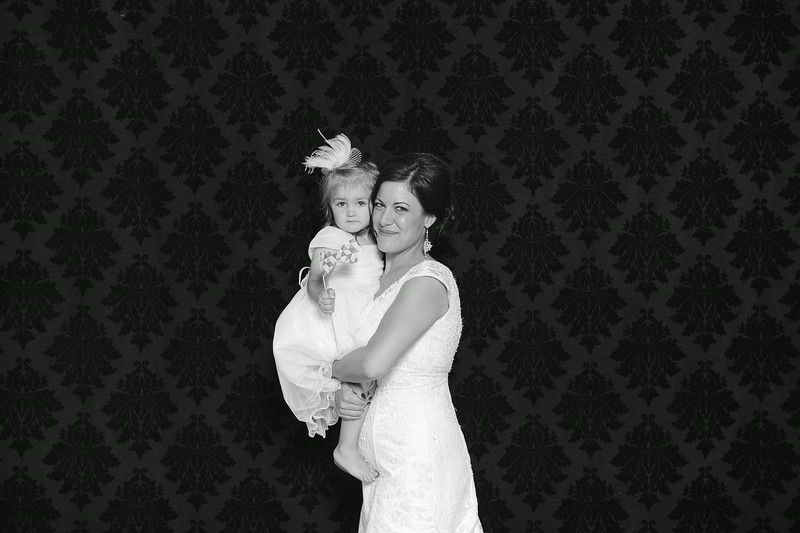 NinaLilyPhotography_Harvey_PhotoBooth005.jpg
