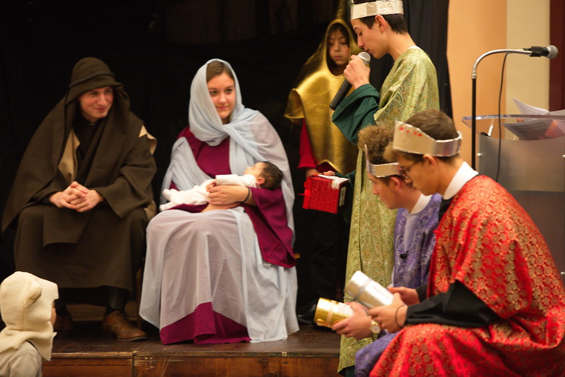 2017-12-17-Christmas-Pageant_044.jpg