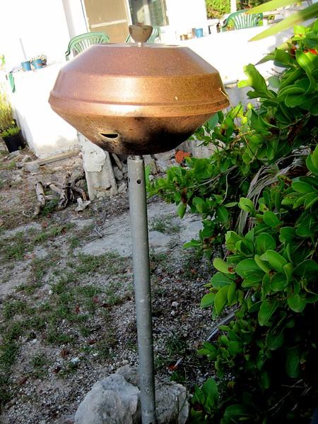 Odd little flying saucer grill