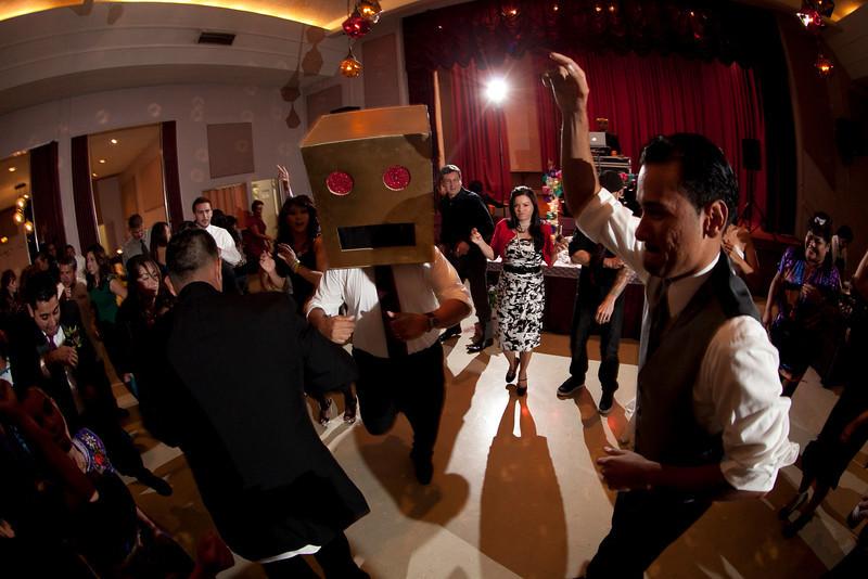 2011-11-11-Servante-Wedding-752.JPG