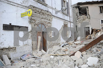 at-least-38-dead-as-strong-earth-quake-rocks-central-italy