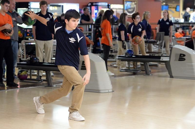 boys_bowling_9810.jpg