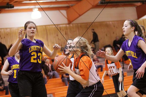 8th Grade B Daubers vs LibHill