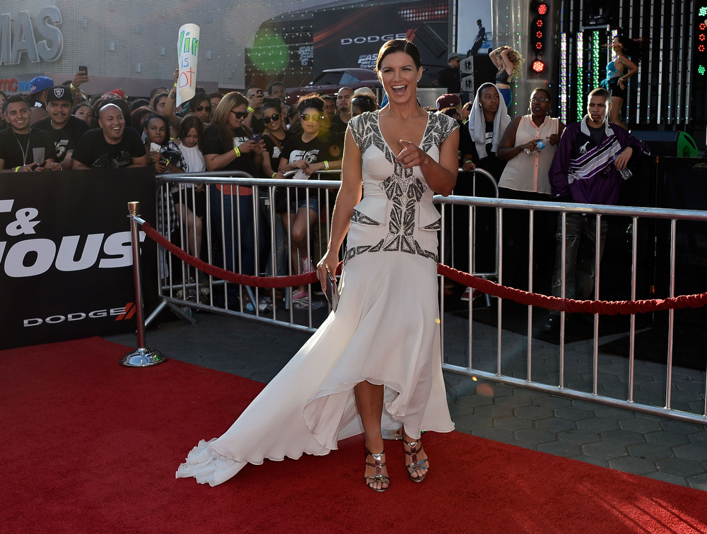 """. Actreess Gina Carano arrives at the Premiere Of Universal Pictures\' \""""Fast & Furious 6\"""" on May 21, 2013 in Universal City, California.  (Photo by Frazer Harrison/Getty Images)"""