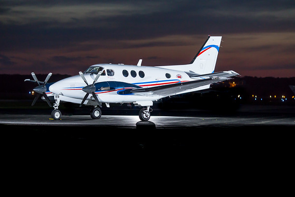 King Air C90 N3184W (High Res)