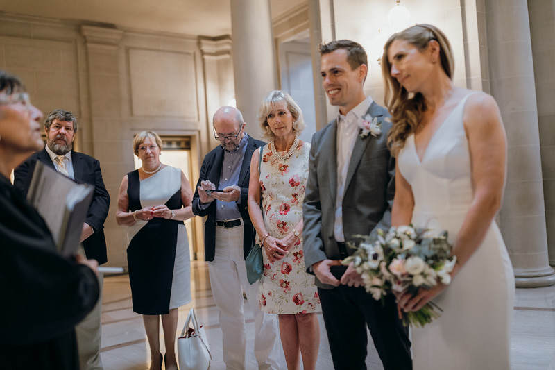 2018-10-04_ROEDER_EdMeredith_SFcityhall_Wedding_CARD1_0192.jpg