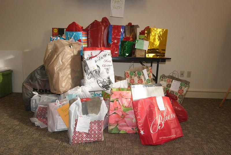 2014-12-15-FOCUS-MHY-Christmas-Gifts_ 004.jpg