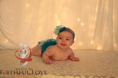 5 months Jailyn 11-28-15 & 12-13-15