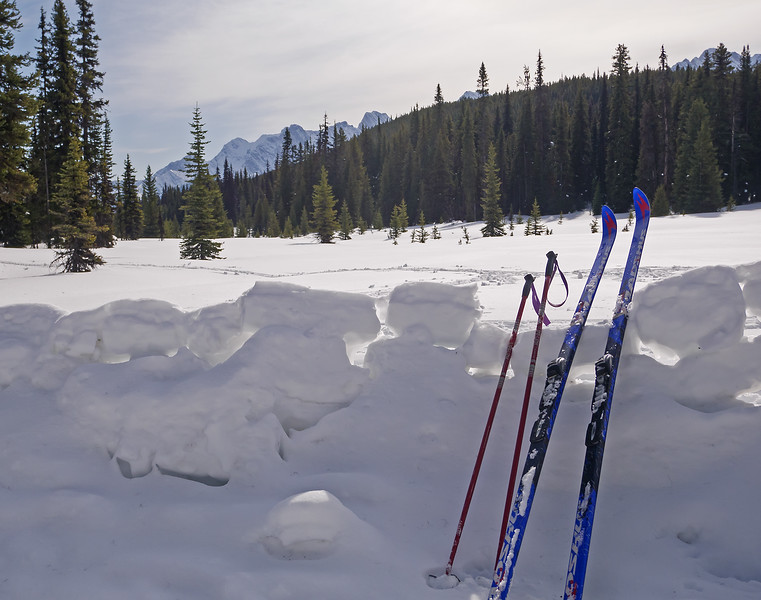 Second lunch at the East Elk Pass snow couch.