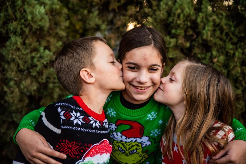 Christmas Sweater Cousins 2020-6818.jpg